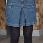 カーゴタイプのデニムスカート