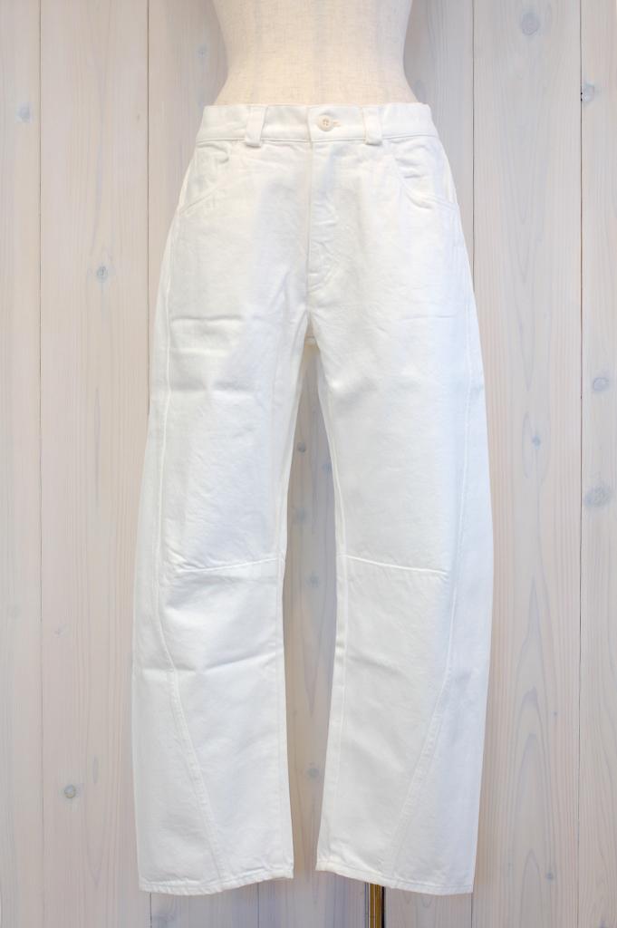 13P063-White