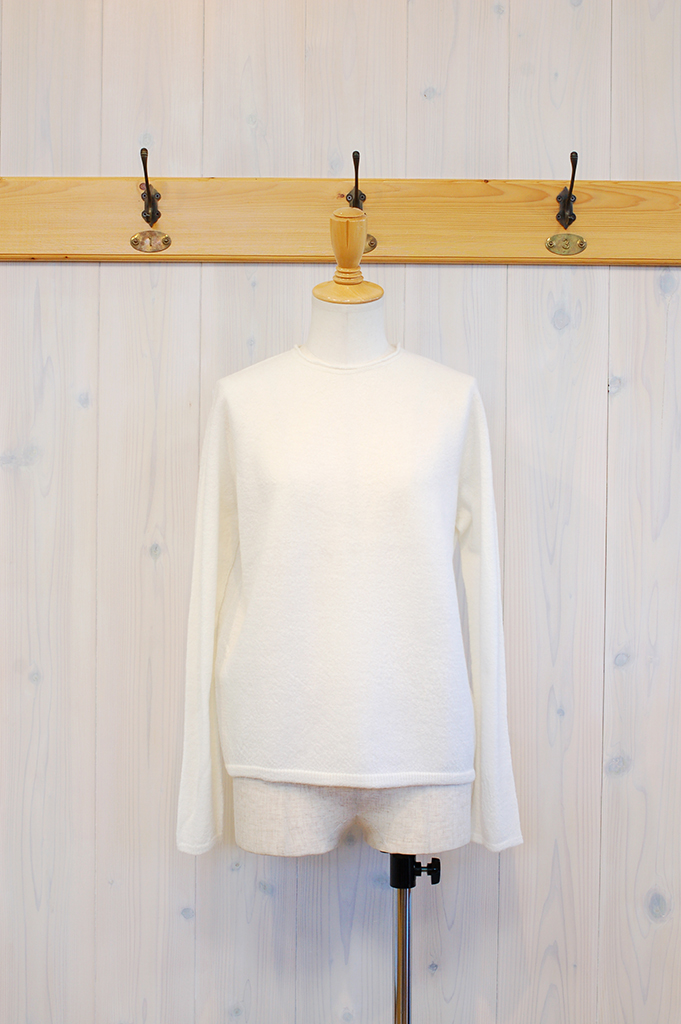 18N201-White