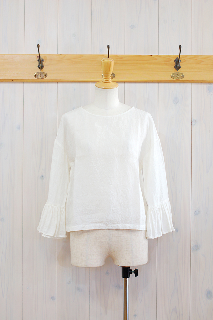 19S104-White