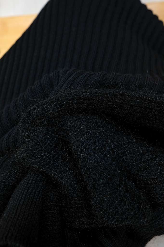 RK212-01401-Black