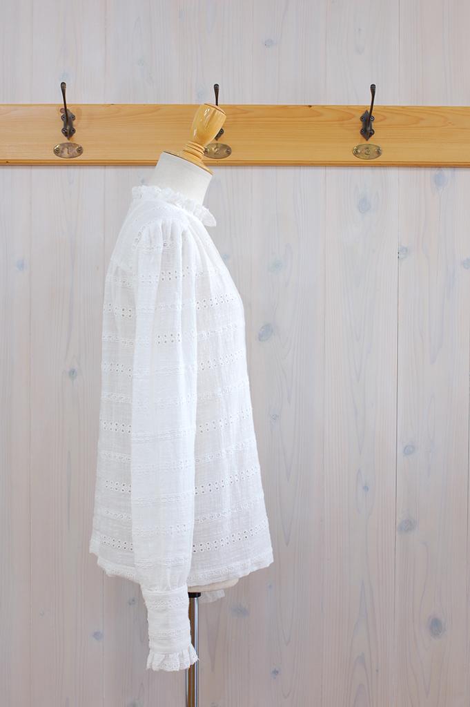 2U07312-White