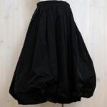 sunao kuwahara メモリーギャバジン バルーンスカート -Black-